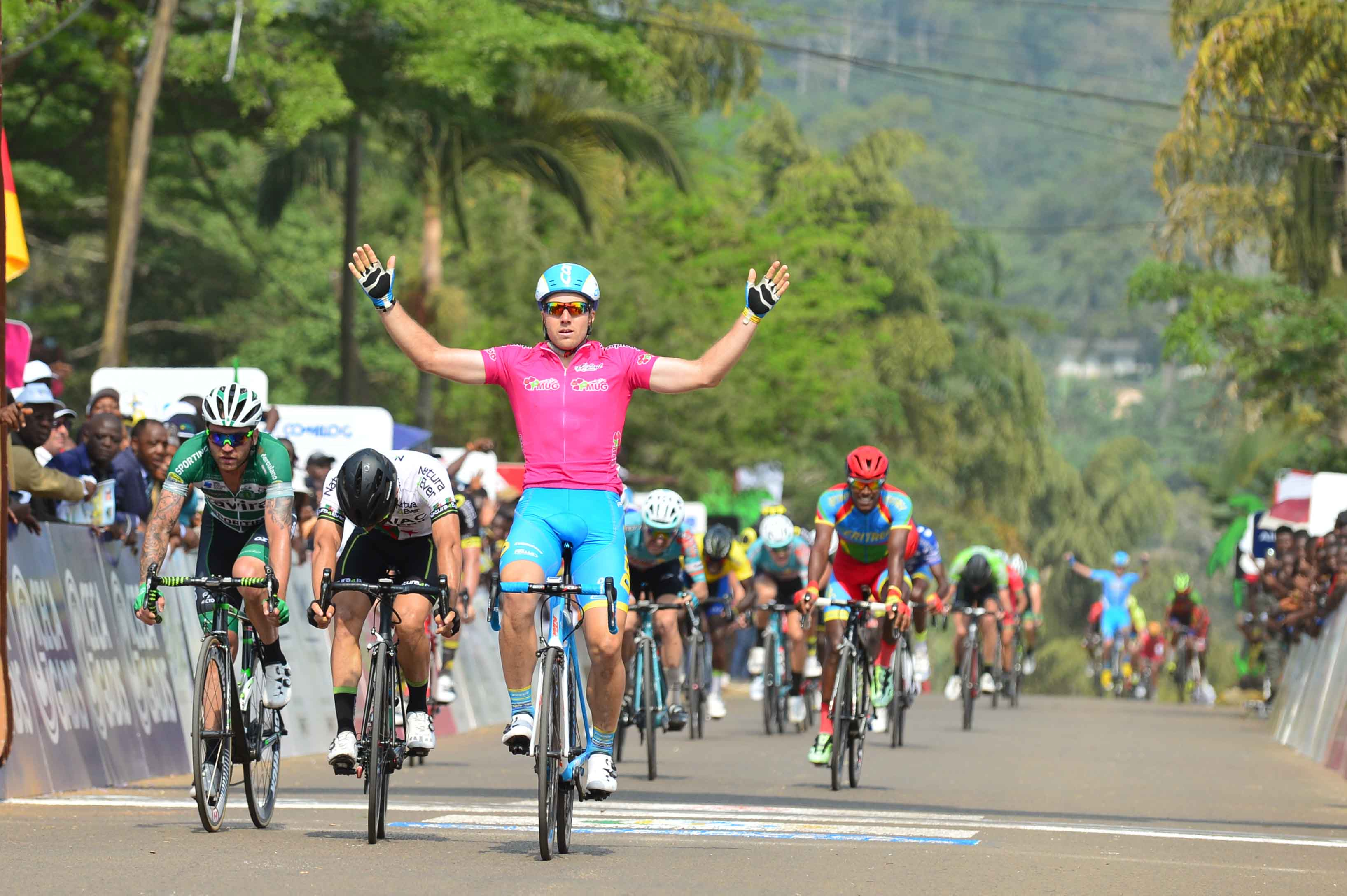 Брентон Джонс выиграл пятый этап велогонки La Tropicale Amissa Bongo