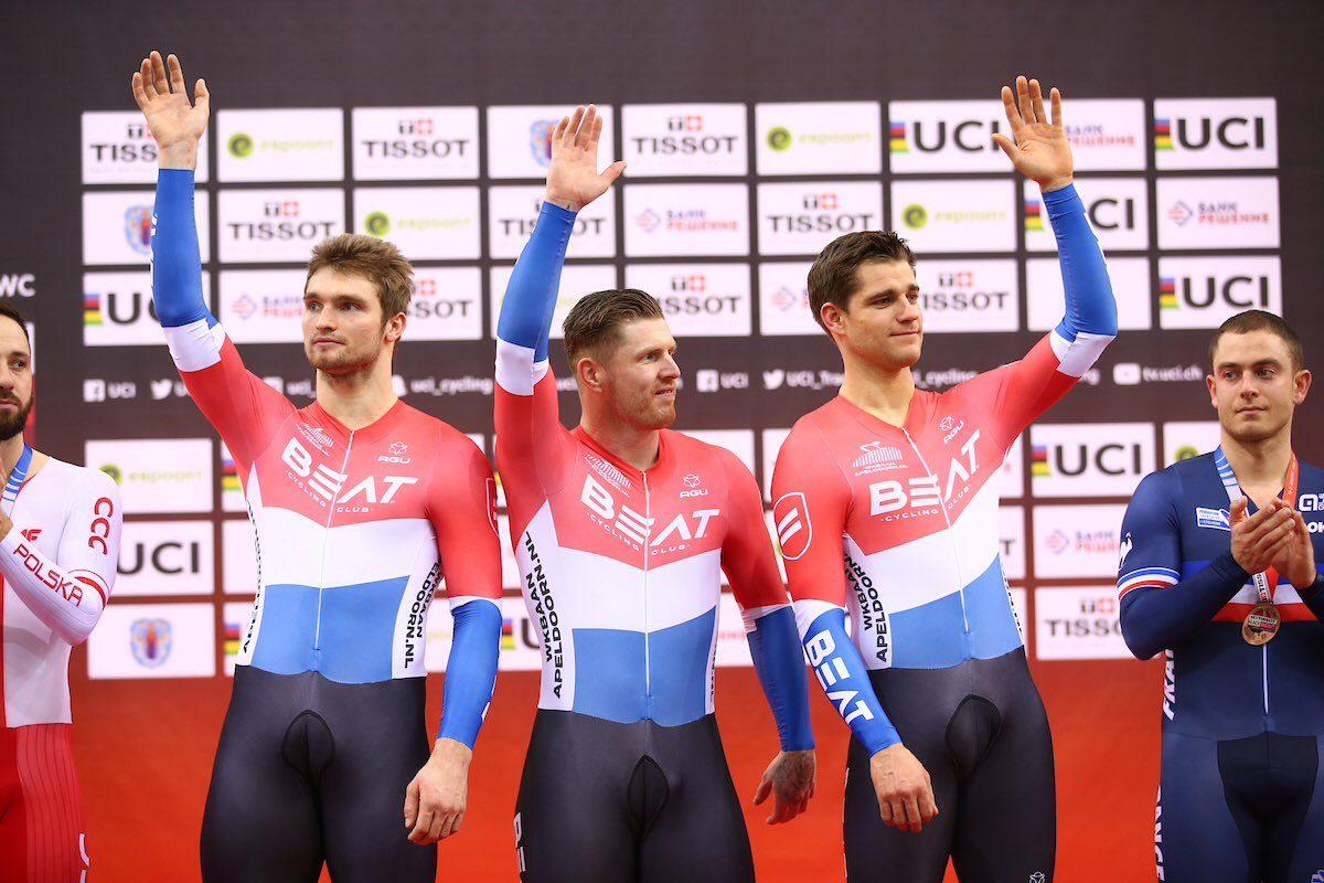 Команда Beat Cycling Club выиграла командный спринт на Кубке мира по велоспорту на треке в Минске