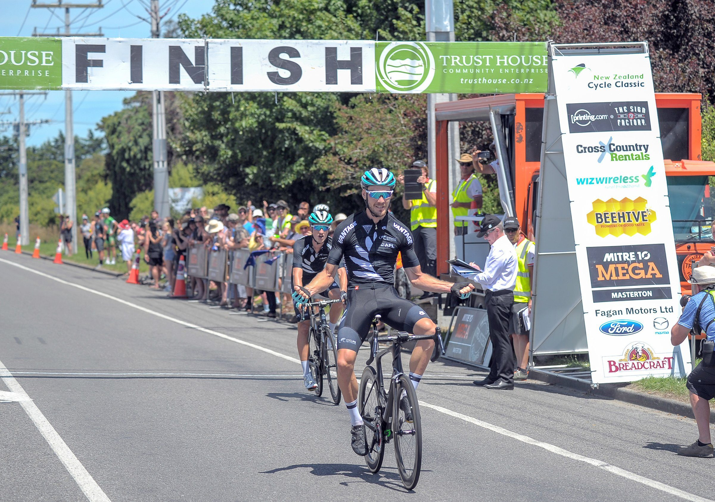 Хайден МакКормик выиграл велогонку New Zealand Cycle Classic