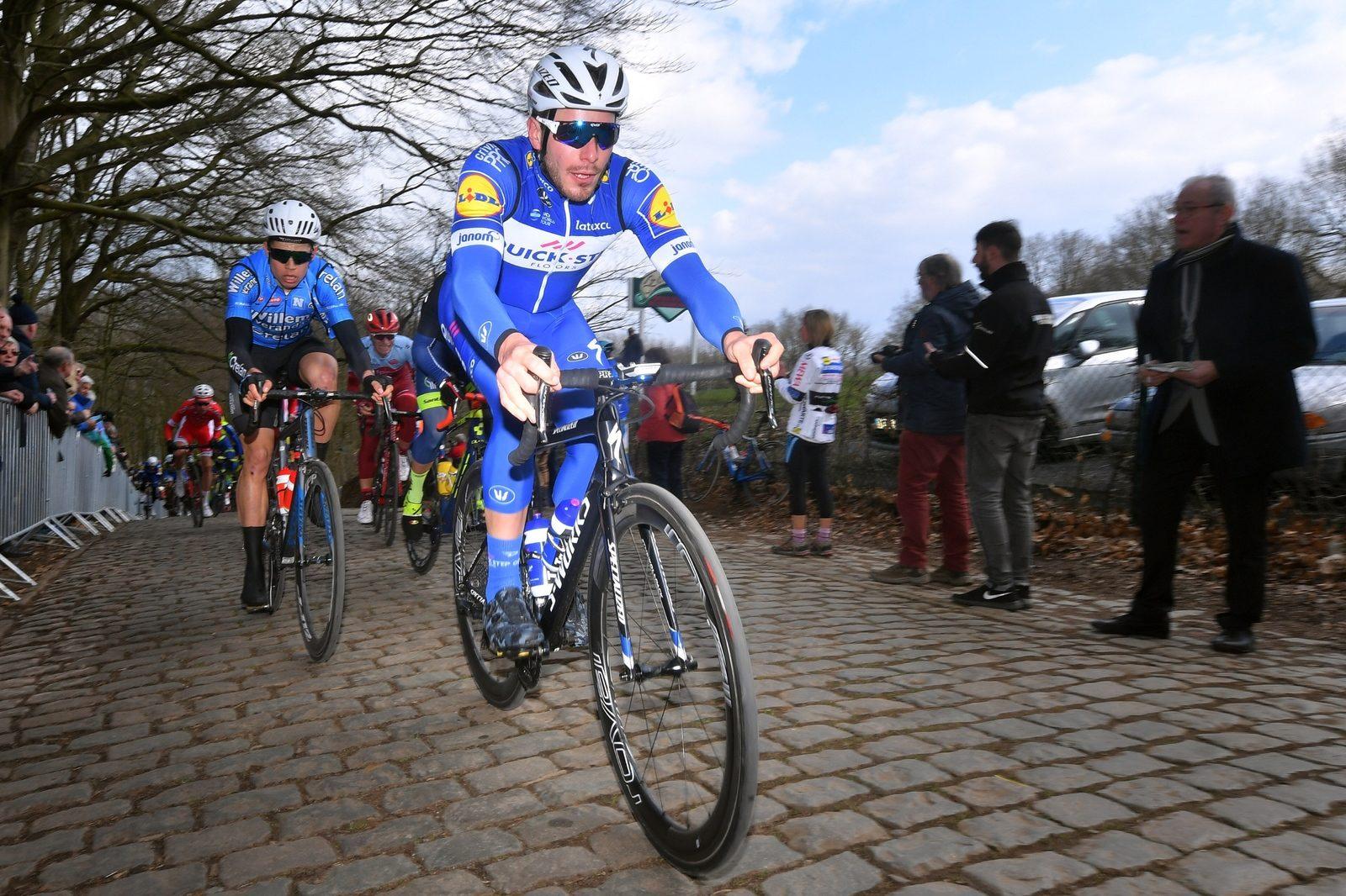 Элиа Вивиани выиграл велогонку Driedaagse Brugge— De Panne