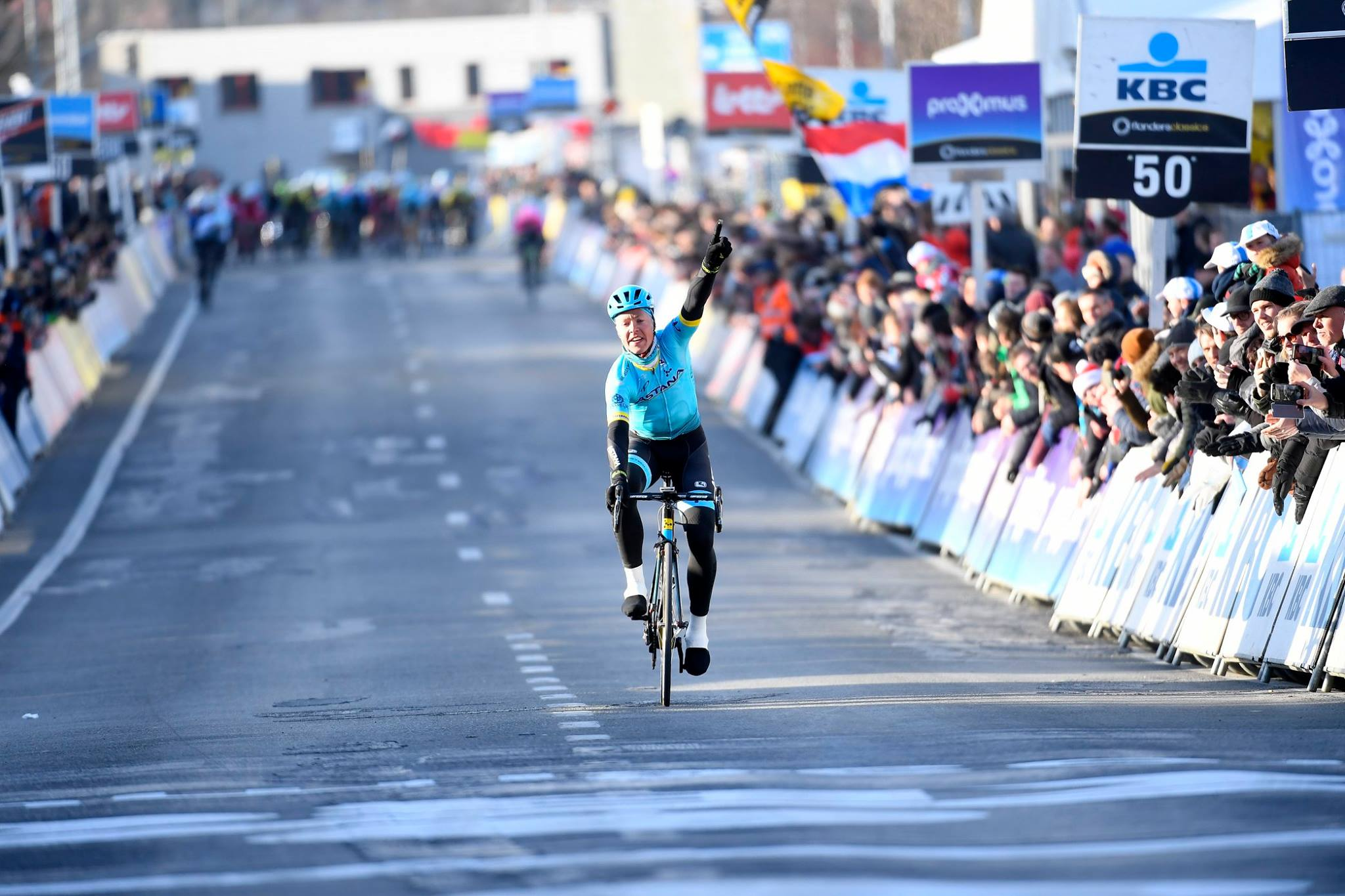 Михаэль Вальгрен выиграл велогонку «Омлууп Хет Ньюзблад Элит — 2018»