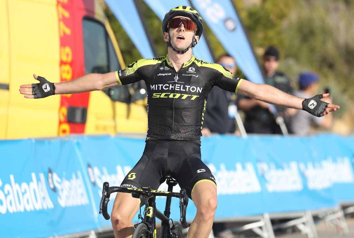 Адам Йейтс вырвал победу у Алехандро Вальверде на четвёртом этапе «Тура Валенсии»
