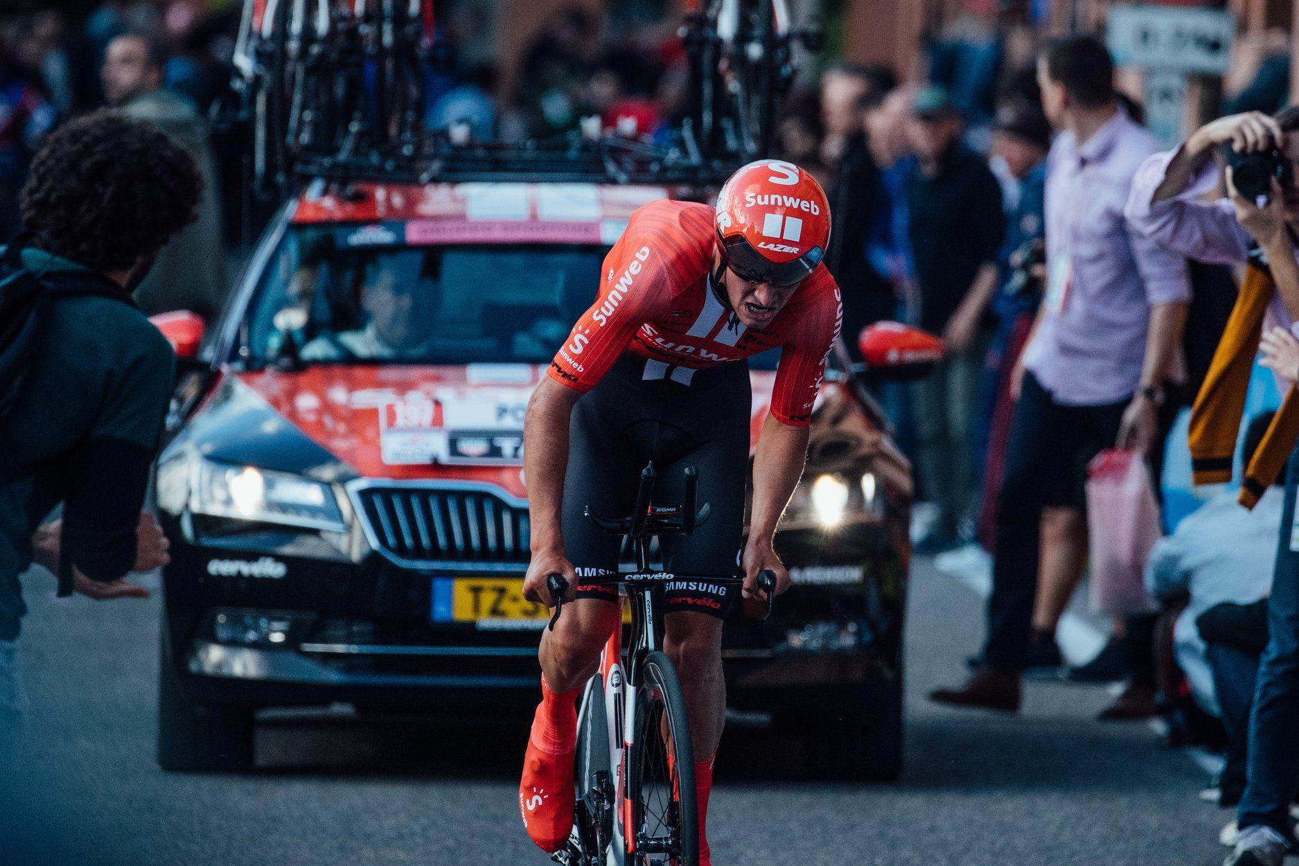 Фото с первого этапа «Джиро д'Италии»