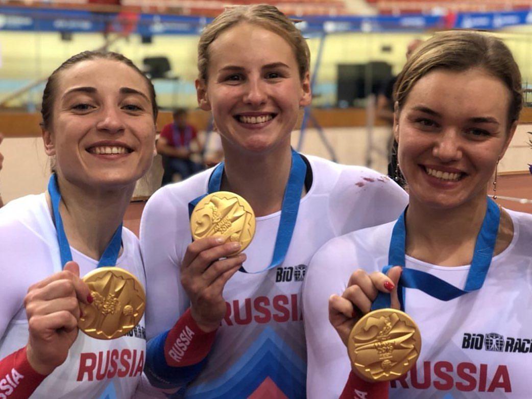 Дарья Шмелева, Екатерина Роговая и Анастасия Войнова