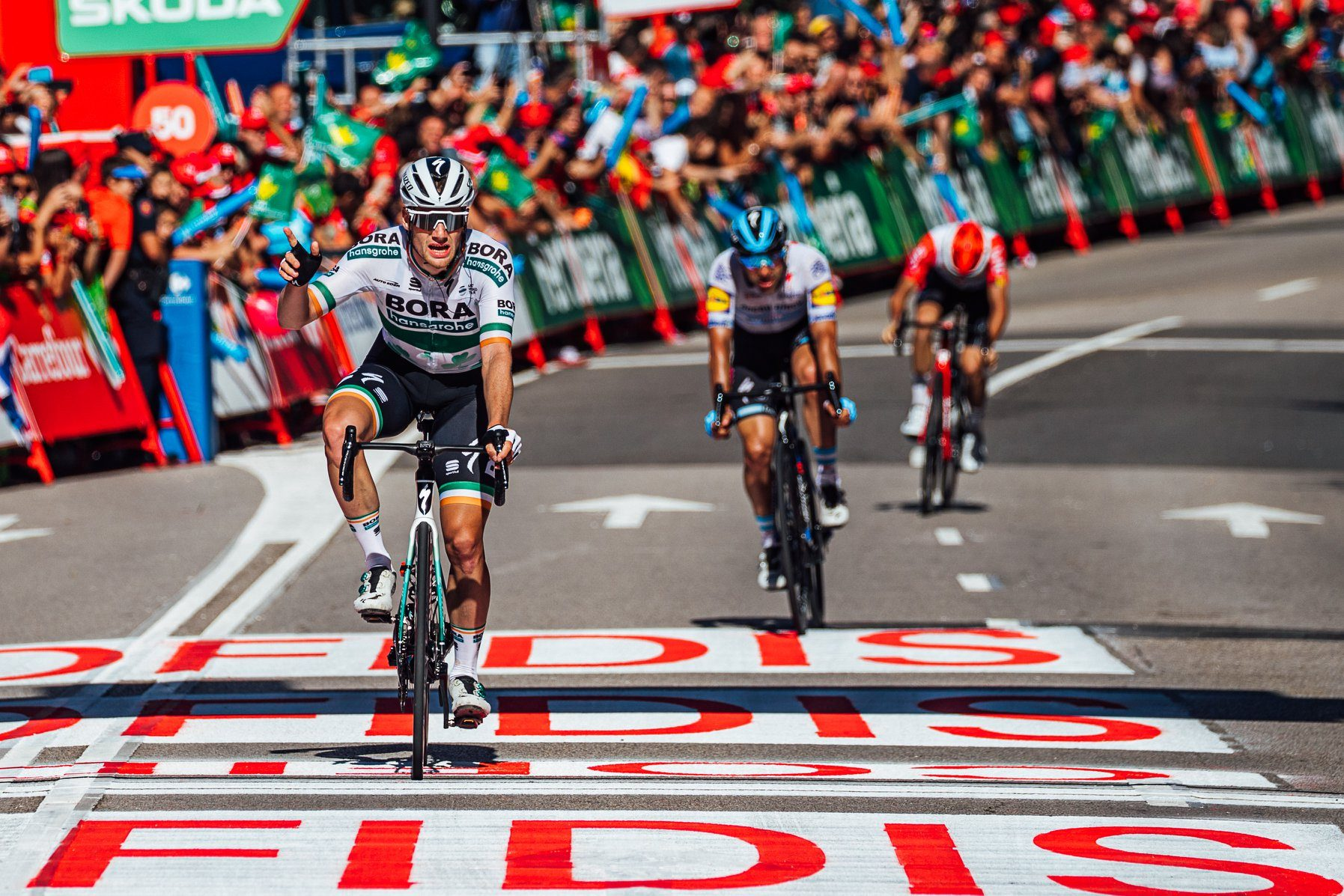 Сэм Беннетт выиграл спринт на финише 14-го этапа «Вуэльты Испании»
