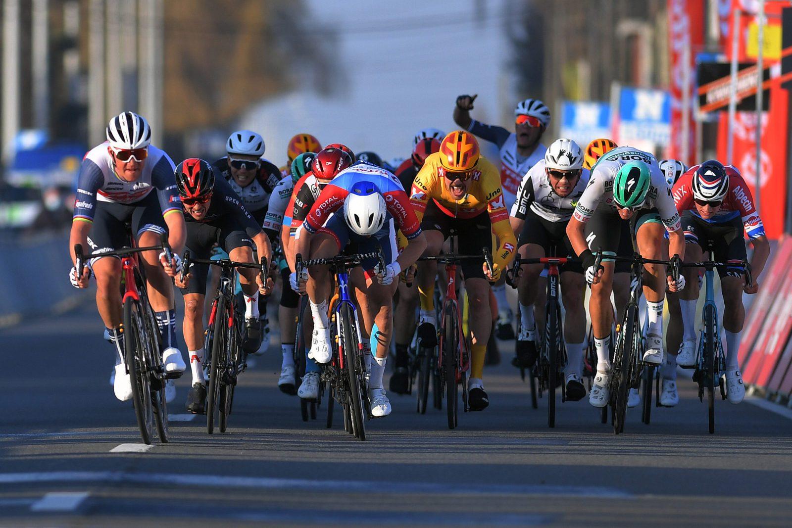 """Мадс Педерсен одержал победу на велогонке """"Кюрне — Брюссель — Кюрне — 2021"""""""