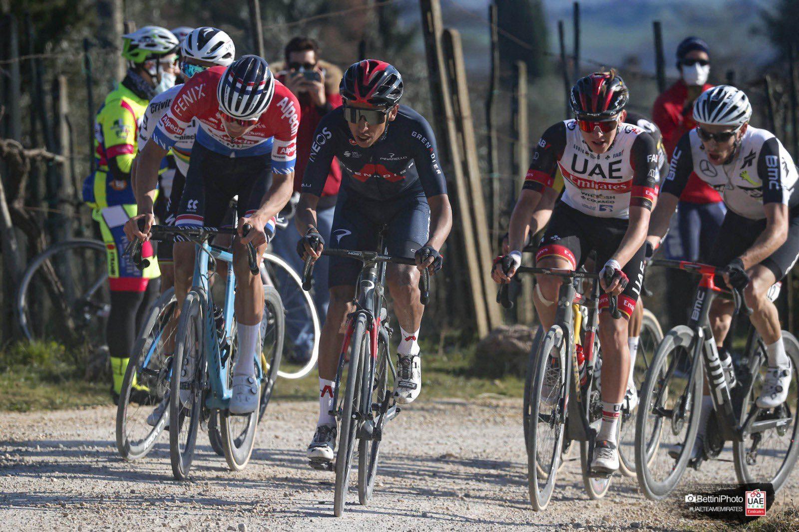 Матье ван дер Пул — победитель велогонки «Страде Бьянке — 2021»