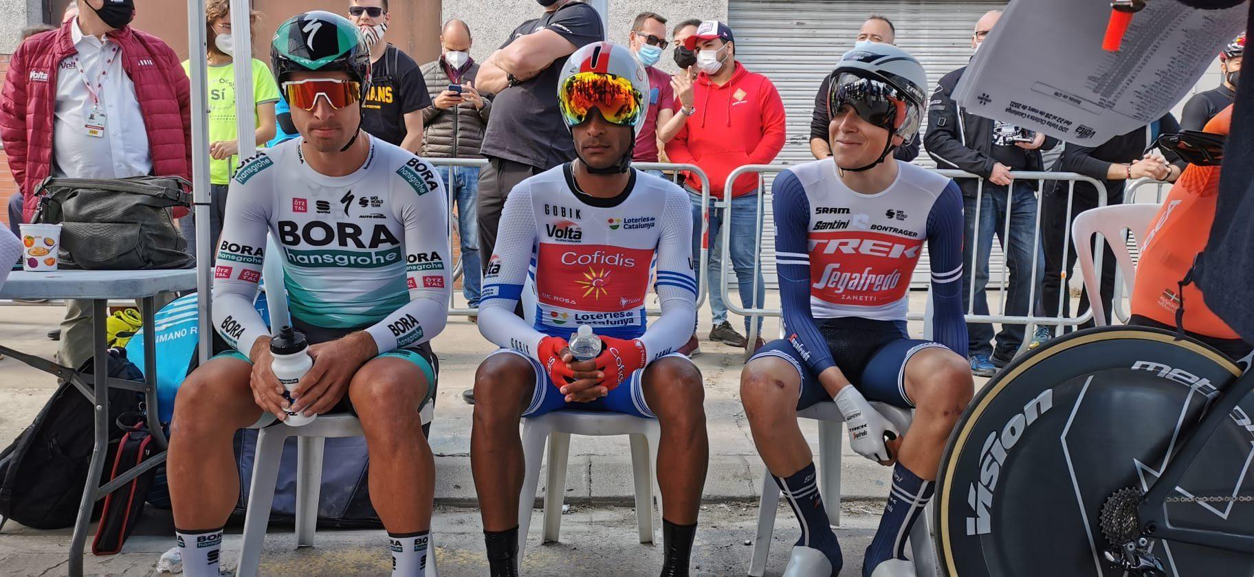 Роан Деннис выиграл второй этап «Вуэльты Каталонии»