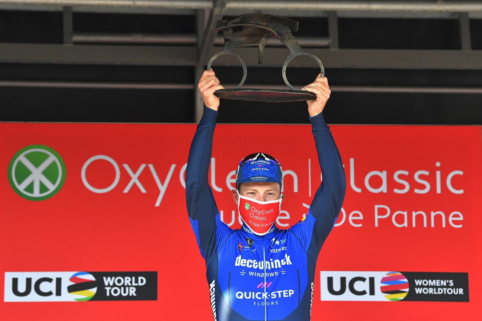 Сэм Беннетт выиграл велогонку Oxyclean Classic Brugge-De Panne