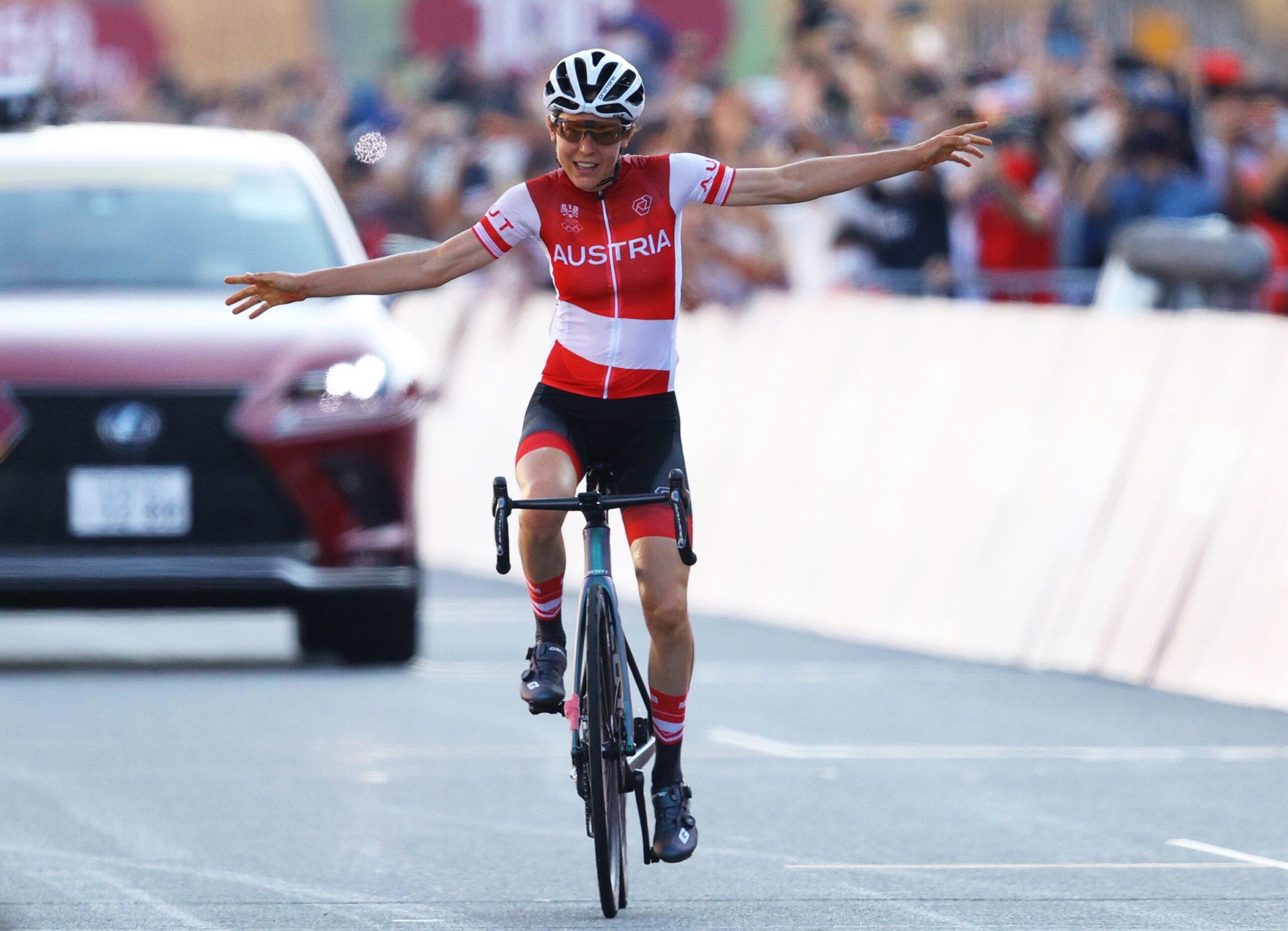 Анна Кизенхофер преподнесла именитым соперницам сюрприз на олимпийской групповой гонке у женщин